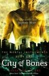 Mortal Instruments: City of Bones - Cassandra Clare (Paperback)