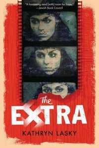 The Extra - Kathryn Lasky (Paperback) - Cover
