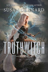 Truthwitch - Susan Dennard (Paperback) - Cover