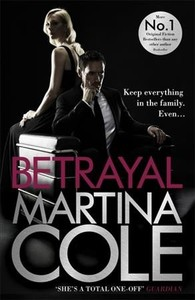 Betrayal - Martina Cole (Paperback) - Cover