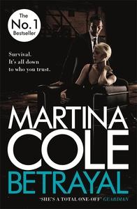 Betrayal - Martina Cole (Paperback) - Cover