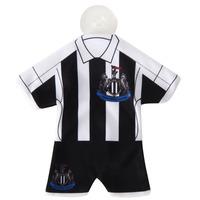 Newcastle United - Club Crest Mini Kit Hanger - Cover