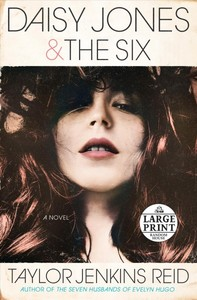 Daisy Jones & the Six - Taylor Jenkins Reid (Paperback) - Cover